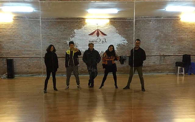 Lớp dạy nhảy dance hiện đại hút hồn giới trẻ Hà Nội - Ảnh 1